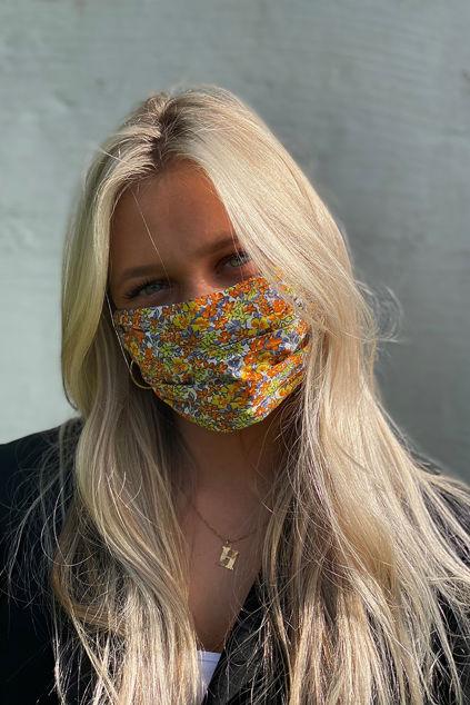 Face mask Garden