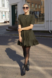 Structured Cotton Mini Dress Oliven