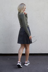 Ally MW Leather Skirt Sort