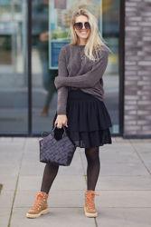 Eyea Skirt Sort