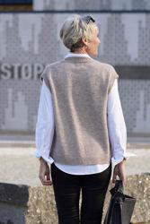 Elisha knit waistcoat Lysebrun melange