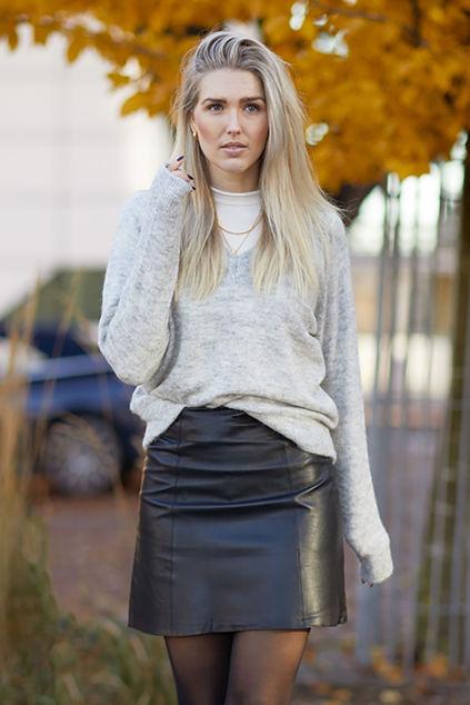 Lulu LS Knit V-neck Lysegrå