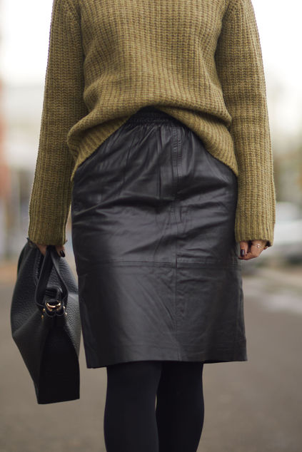Manolo MW Leather Skirt Sort