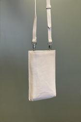 O&O Phone Bag Antikkhvit