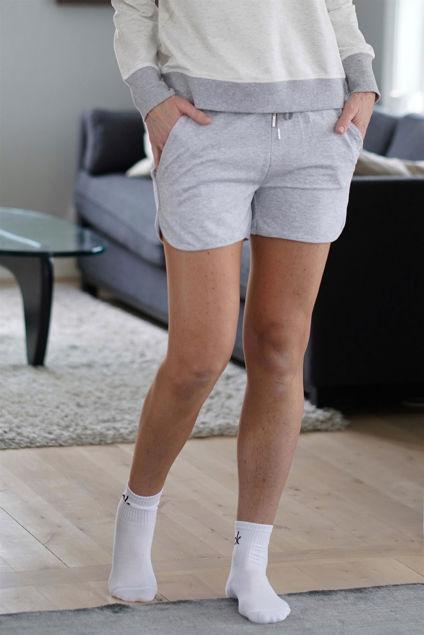 Weekday Shorts Gråmelert