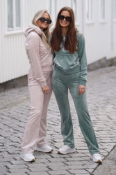 Del Ray Classic Velour Pant Pocket Design Shadow Grey