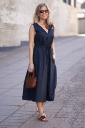 Poplin Flared dress Mørkeblå