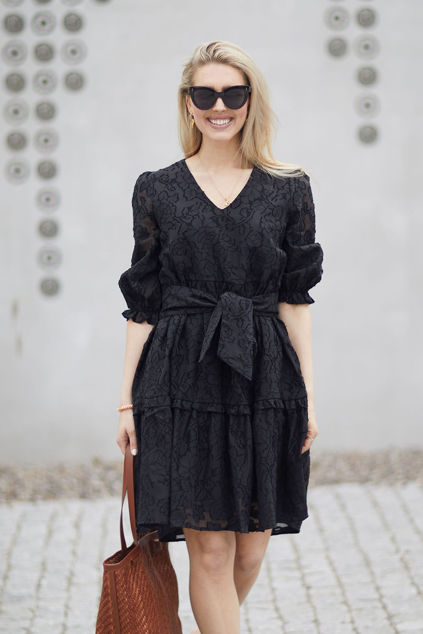 Sadie V-neck 3/4 Short Dress Sort