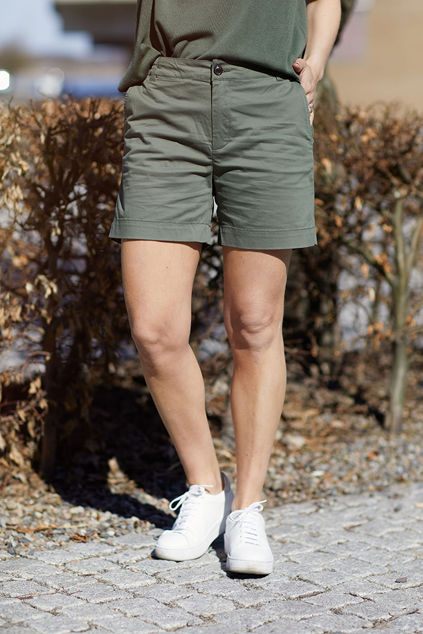 Birta shorts Beetle Green