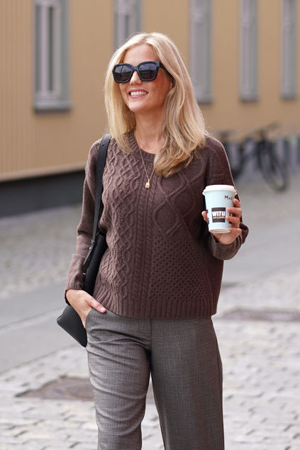 How Long Cable Knit Brun