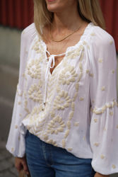 Hanna Embrodery Top Ivory