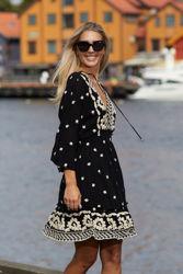 Hedda Embrodery Dress Sort