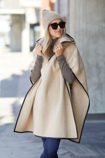 Blanket cape Eggshell