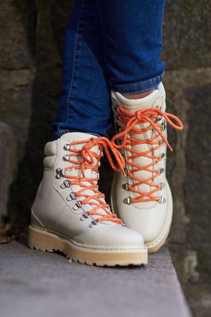 Hiking Off-white