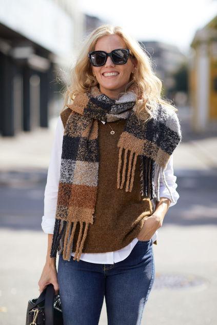 Lulu Knit Vest O-Neck Rubber