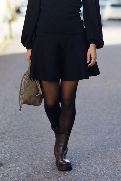 Triny Merino Skirt Sort
