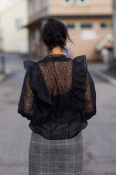Leya Shirt Black Burn Out